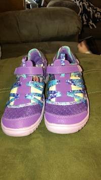 Girls shoes  Hagerstown, 21740