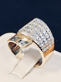 Gold lady's ring  Riverview, 48193