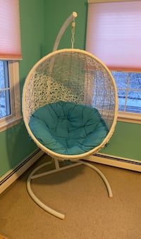 Indoor and outdoor hanging chair with cushion. Hanover, 02339