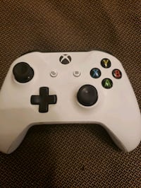 Xbox one controller  South Gate, 90280