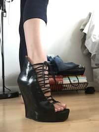 Women's black heels - Never Worn John Fleuvogs !!! Size 7 Toronto, M5T