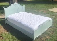 Victorian style full size bed (mattress not included) Cherry Hill, 08002