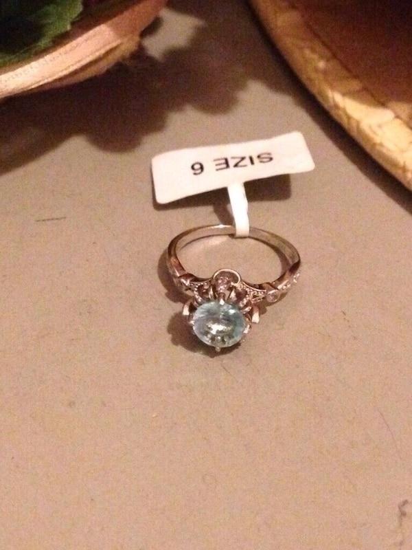 9.25 Silver Ring Size 6