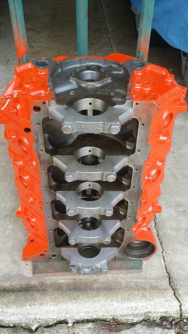 3963512 Chevy Engine block