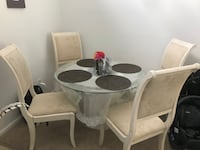 Dining table with 4 wooden chairs Quincy