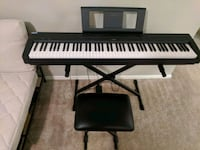 Yamaha P45 keyboard with seat and pedal Plano, 75023