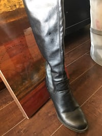 Long Boots, rarely used , bought from spring for 120$ selling it just for 50$ Montréal, H2W 2M4