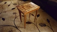 square brown wooden side table Baltimore, 21218