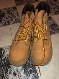 Kids timberland boots in a size 11 Chicago, 60632