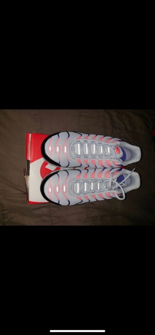 3942516f6169b Used white and pink Nike basketball shoes for sale in San Francisco ...