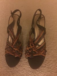 Pair of brown leather open toe ankle strap heels size 8,5 Mc Lean, 22102