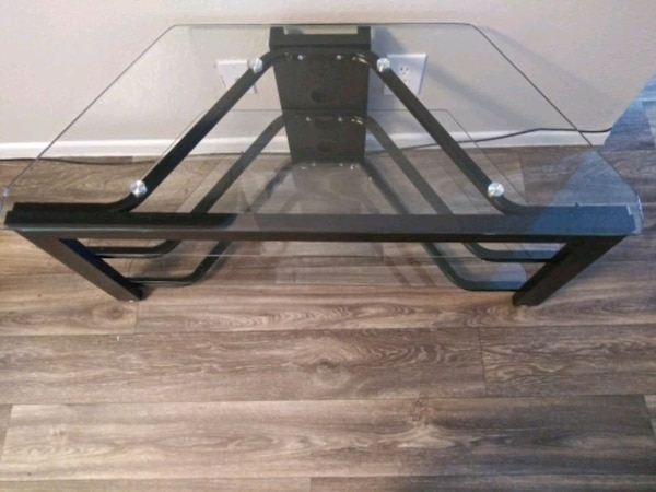 (Or best offer) 3 Level Glass & Oak TV Stand 3a2079dd-05f2-48ed-bb74-99e938e3bc1a