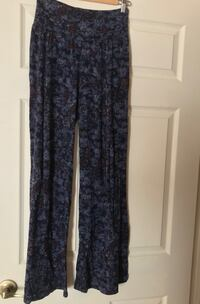 Lucky Brand Floral Pants Burlington, L7L 7H1