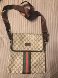 Brand new Gucci messanger bag deadstock magnetic lock supreme yeezy Jordan Cdg balenciaga givenchy  Vaughan, L4J 3N3