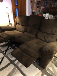 Double Reclining Couch Bethlehem, 03574