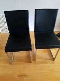 2 dining chairs Mississauga, L5R 3Z1