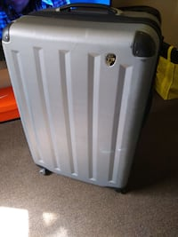 "Heys 30"" hard shell spinner suitcase. All works"