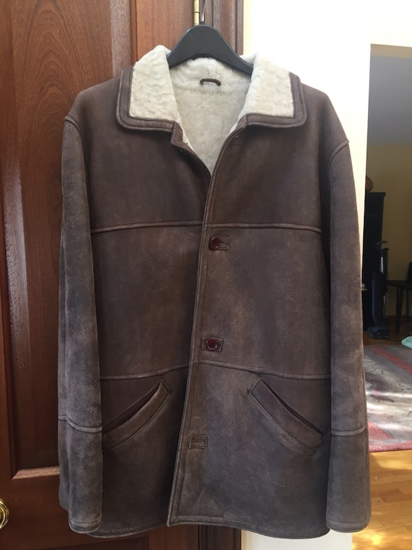 Used Shearling Coat Men Size L Great New Condition For Sale In