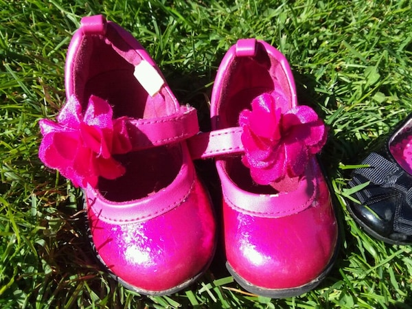 2 Pairs of Toddler Girl's Shoes 602074c9-7289-41f9-a9ed-eace3197ede9