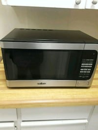 black and gray Emerson microwave oven Ottawa