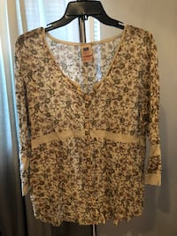 Women's flowy blouse