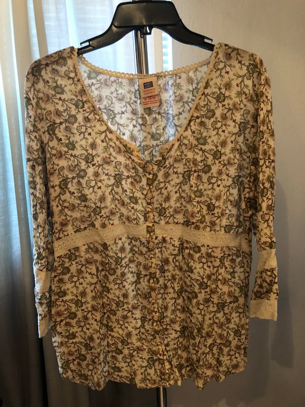 Women's flowy blouse 0