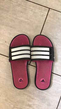 Adidas slides size 7 womans Vancouver, V5S
