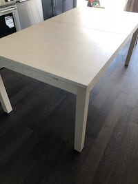 Table Mississauga, L5A 1W8