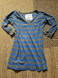 Small AE grey and blue striped 3/4 sleeve shirt Belleville, K8P 3P1