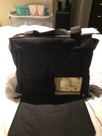 Medela freestyle double electric pump with additional storage containers and breast pads Toronto, M3J 0G8