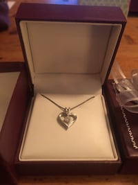 Diamond heart pendant necklace Chevy Chase, 20815