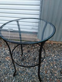 round black metal framed glass-top table Oroville, 95966