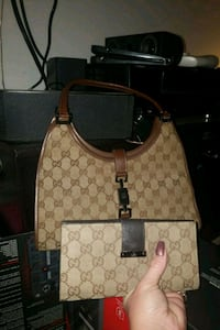 Gucci purse and whallet  Surrey, V3R 1Z9