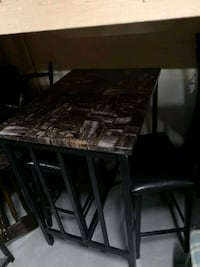 Petite table bistrot 2 tabourets