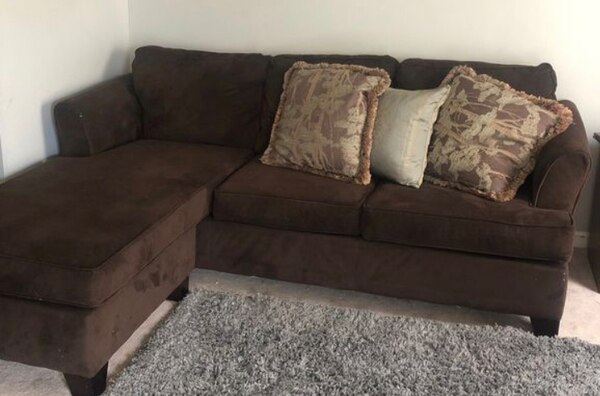 Simmons L Shaped Sectional Sofa Couch Reversible fcd24d52-2466-4519-ba26-97ce3fd4efa8