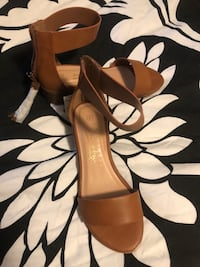Sandals - brand new with tags Aldergrove, V4W