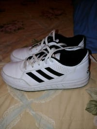 Youths Adidas size 4 Greer, 29651