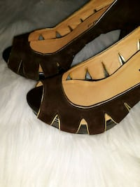 pair of brown leather peep toe heels Hampton, 23666