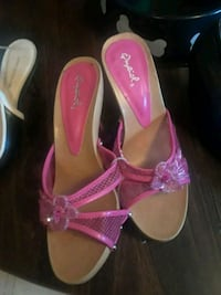 pair of pink leather open-toe heeled sandals Stafford, 22554