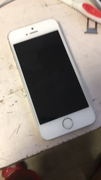 iPhone se factory unlock  North Miami, 33168