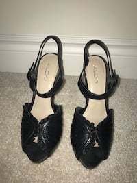 Black high heels New Tecumseth, L9R 0C2