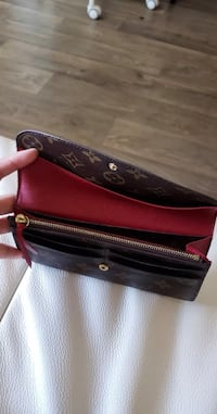 Louis Vuitton Emilie Wallet Woodbridge, 22193