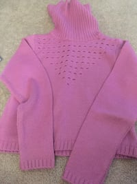 Women sweater; size S Manchester, 06042