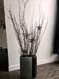 reversible decorative vase with sticks and stars Burlington