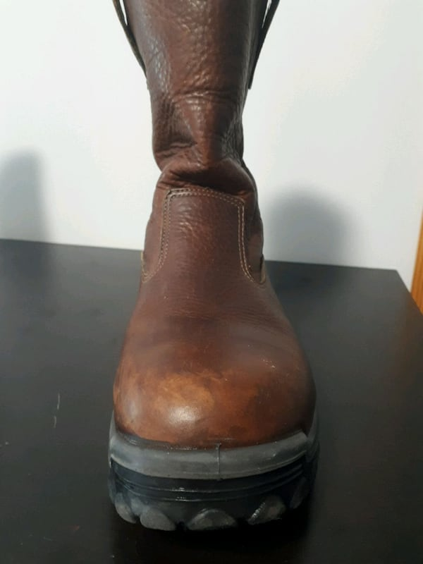 Leather bootssize 10 fa2dc4d0-779a-4352-8d11-311f54955015