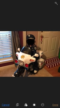 POLICE motorcycle - WORKS GREAT  585 mi