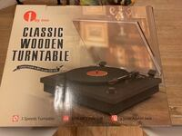 New Classic wooden turntable Whitchurch-Stouffville, L4A 4N9