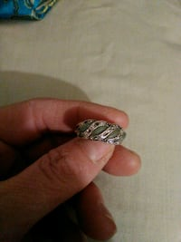 Green stones & diamond chips on sterling silver ring