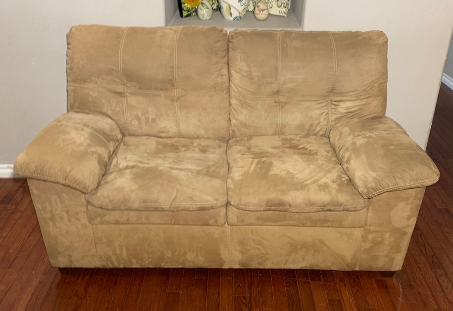 Photo Ashley Furniture Beige Microfiber Loveseat w/ Double-Padded Seats
