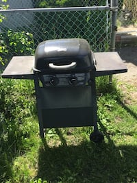 2 small Black gas grills. Cleaned before Pick up Ottawa, K1N 6Z6